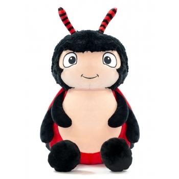 בובה עם רקמה בדמות חיפושית